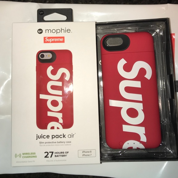online store 7bf15 5d841 NEW Authentic Supreme iPhone 7/8 Mophie Case NWT Boutique
